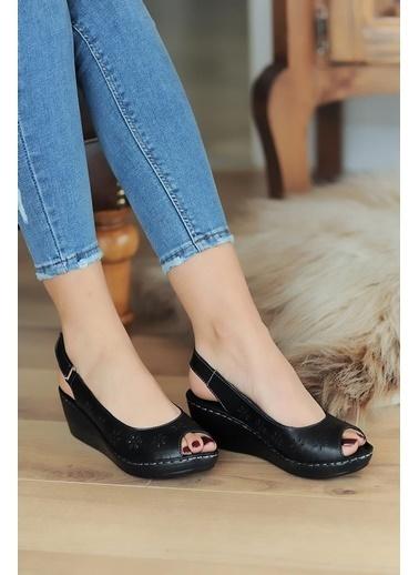 Pembe Potin A401-20 Kadın sandalet Siyah